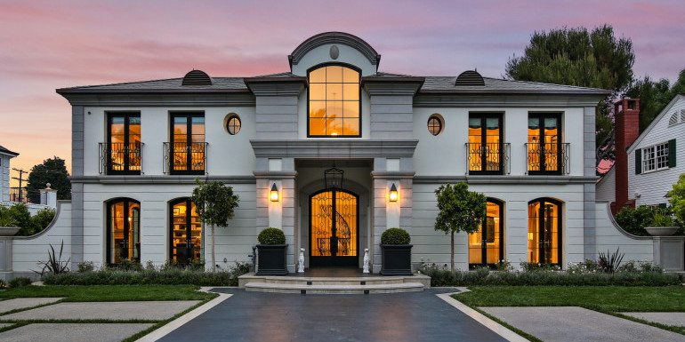 Home of the Week: Stunning Brentwood Manor