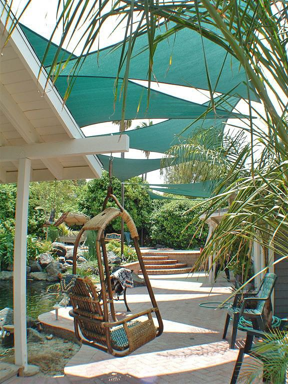 Clever-ways-for-a-shady-backyard-oasis-5