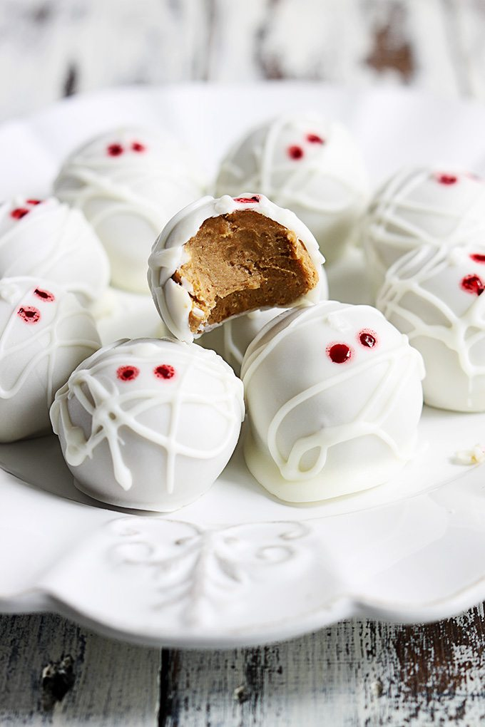mummy-pumpkin-cheesecake-truffles-3
