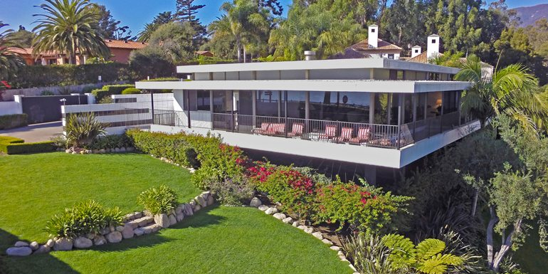 A Neutra-Inspired Home in Montecito