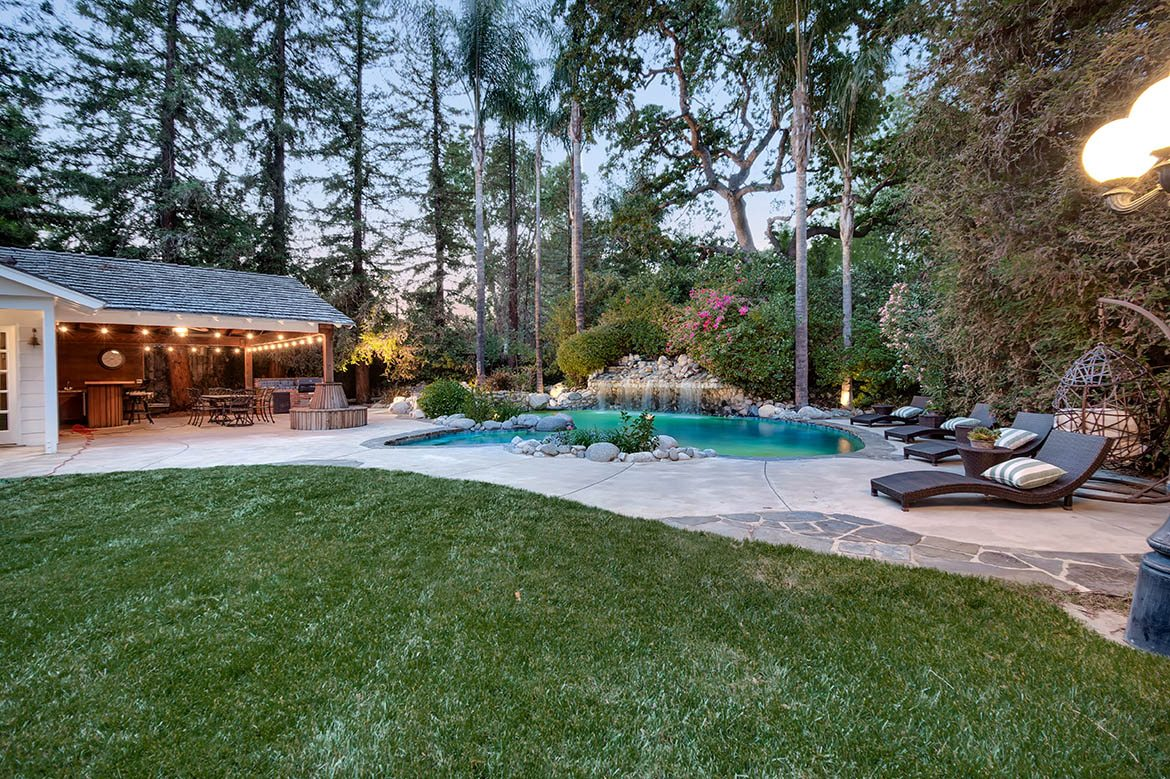 Sprawling Ranch Estate In Woodland Hills Coldwell Banker