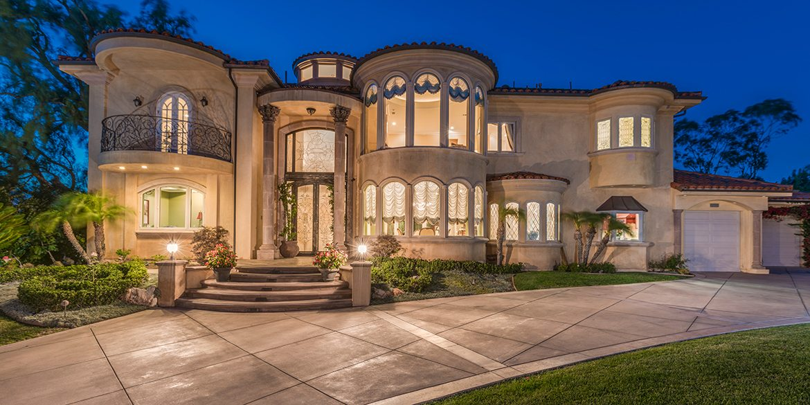Home Of The Week Italian Estate In Villa Park Coldwell