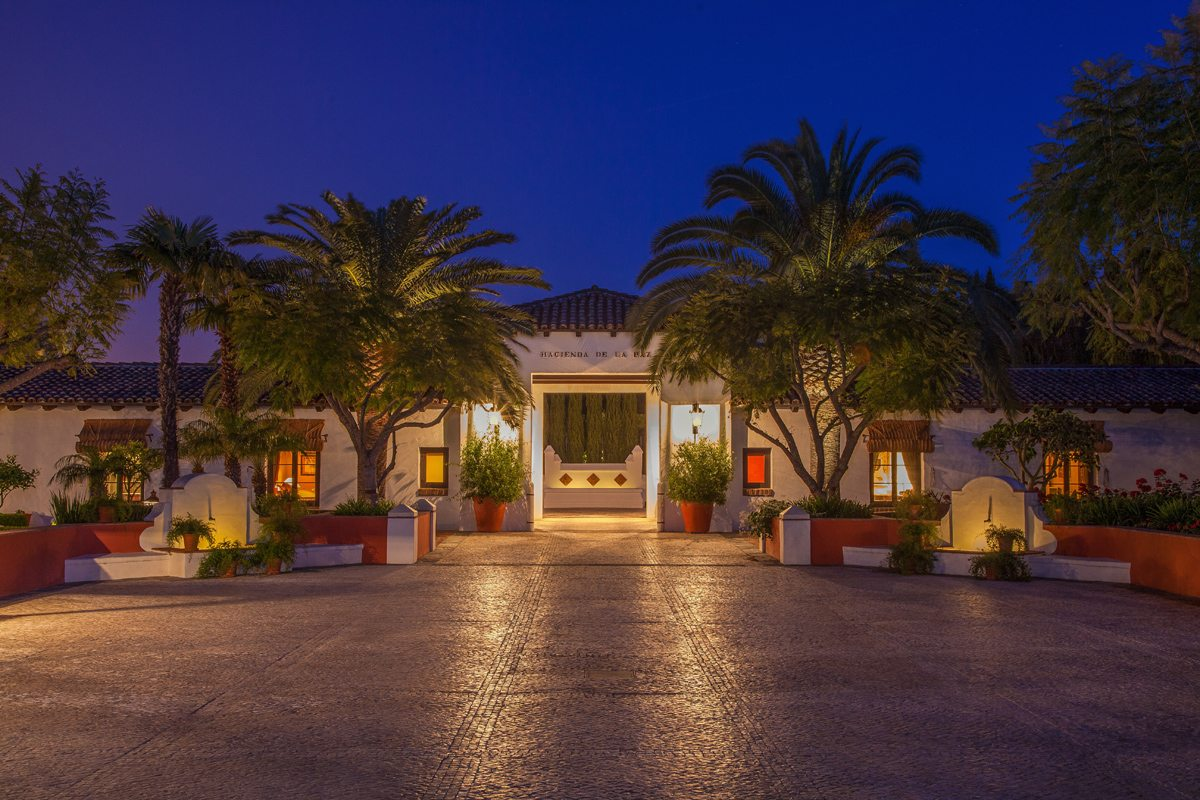 blog_23-re-19th-century-andalusian-courtyard-tower-nite-lighter