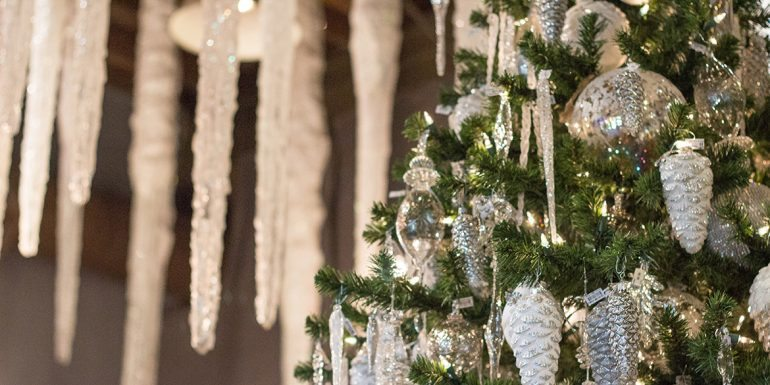 Welcome to Wonderland: The Christmas Boutique at Roger's Gardens