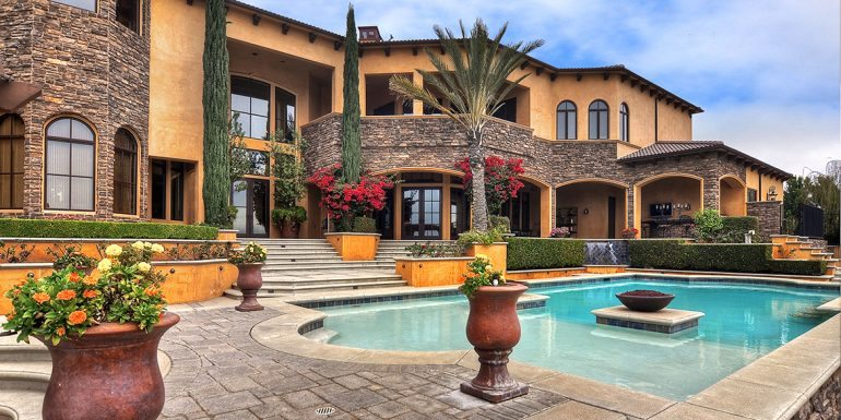 Home of the Week: Palatial Paradise in Yorba Linda