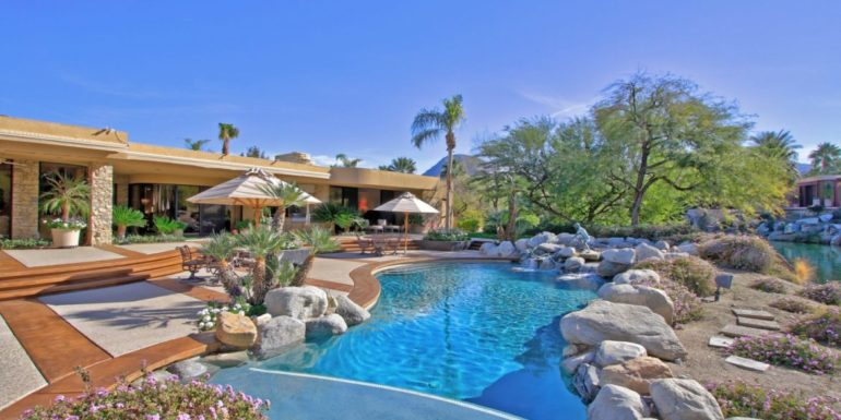 Home of the Week: Tropical Paradise in Indian Wells