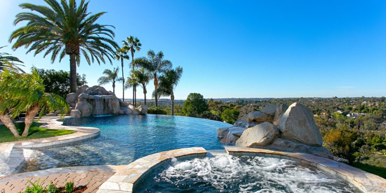 Home of the Week: Dazzling Rancho Santa Fe Estate