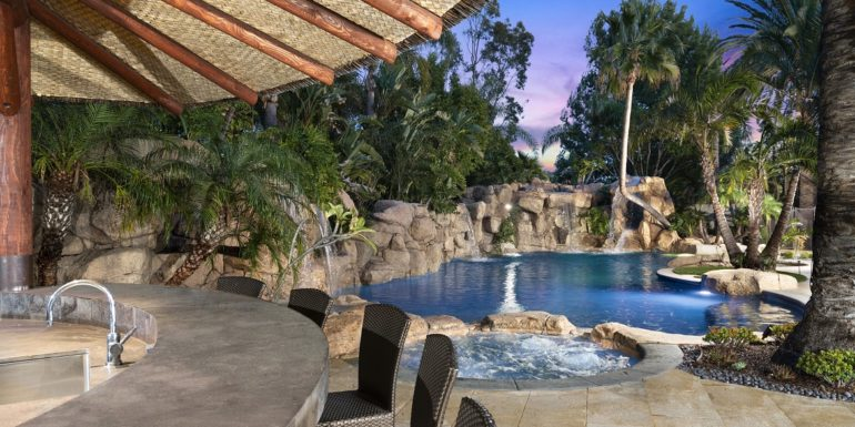 Home of the Week: Island-Inspired Tustin Estate